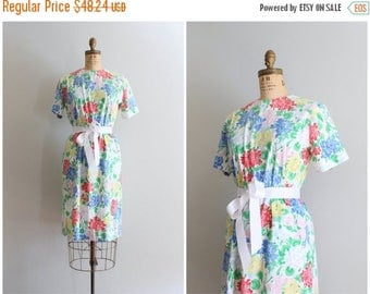 SPRING SALE preppy summer sheath dress - hydrangea print dress / Margaret Smith - 80s preppy boutique label / vintage floral print dress
