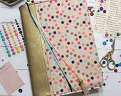 ESV Single Column Journaling Bible Cover with Prayer Pocket: Throw Kindness around like Confetti