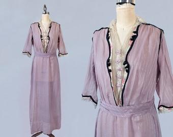 RARE 1910s Edwardian Dress / Pinstriped Lilac Day Dress / NEAR MINT Condition! / L