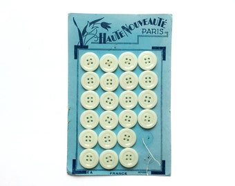 22 White Buttons, Glass Buttons, Vintage Buttons, 21mm