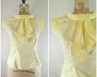 Vintage 1950s Blouse / Summery Yellow Blouse / Bow Blouse / Small