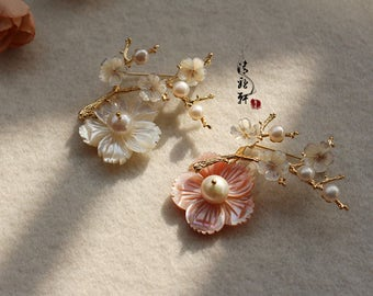Handmade shell carved flower genuien pearl Brooch  pins classic Brooch Asian style
