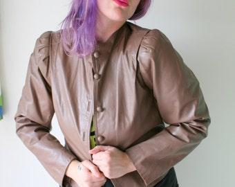 1980s HIPSTER LEATHER Jacket...size small to medium. retro. designer vintage. 1970s. 1980s. rad. womens. short jacket. biker chic. babe.