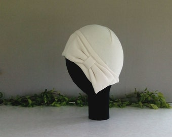 Cream 1920s style cloche hat with large bow - SMALL