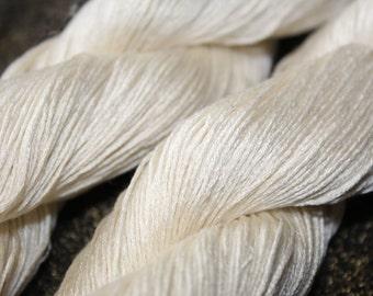 Dazzle Mulberry silk yarn natural