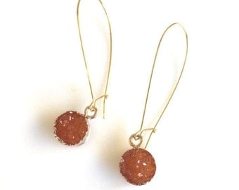 Druzy Drop Earrings in Fall Orange. Autumn Drop Earrings. Fall Fashion Jewelry. Orange Druzy Earrings.