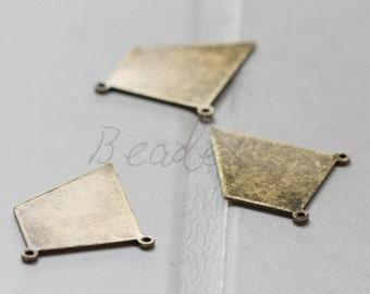 2 Pieces / Antique Brass / Brass Base / Irregular / Link (C3086//A538)
