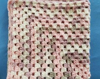 Soft baby blanket (crochet)