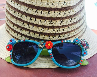 BEACH Party -  SUNGLASSES -  Flowers - RHINESTONES  and Crabs- TROPiCAL Sunnies
