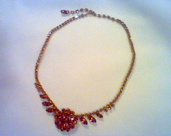 Vintage gold tone necklace with gold colored rhinestones