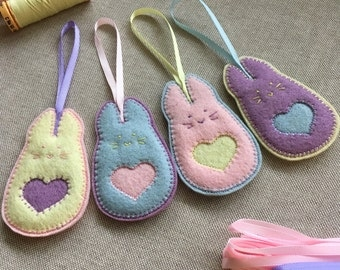 Set of 4 FELT EASTER BUNNIES - Easter ornaments - set of 4 - handcrafted from 100% wool felt - accessories - Easter decoration - gift