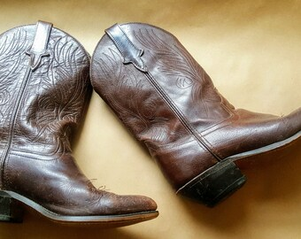 Classic Vintage Womens Western Boots. Cowboy Boots. Hand Stitched. Brown. Size 9 M