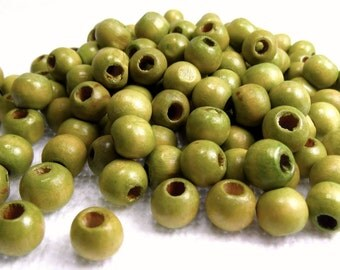 Apple Green: 7mm Wooden Ball Beads - Set of 150 Vintage Beads / Reuse - Upcycle