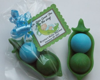 10 PEA POD SOAP {Favors} Two Peas In A Pod Favor, Sweet Pea Baby Shower, Birthday, Valentines Gift, Pea Pod Twins Baby Shower Favor