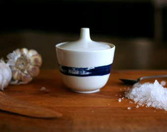 Sugar bowl - Salt jar - Sucrier - Main de sel - Porcelaine - Blanc et bleu - Art & Manufacture