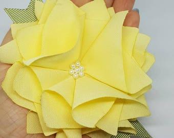 Fleur jaune en tissu / Broche / Pince à cheveux /Accessoire /  Accessory / Yellow fabric flower / Broche / Hair clip
