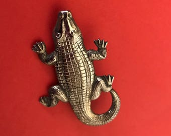 Detailed Textured Silvertone Repousse Alligator Brooch