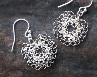 Sterling SILVER Crochet Wire FLOWER EARRINGS, Drop Crocheted Wire Earrings [Boucles d'oreille Fleur, Argent—Pendientes Flor ganchillo plata]