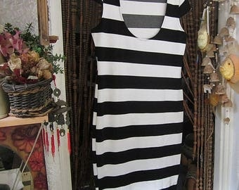 Summer Dress W/Cropped Short Sleeve Striped in Black & White, Vintage - Medium to Large