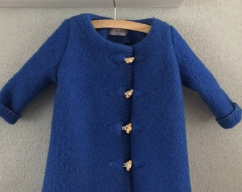 Girls jacket, blanket coat dekenjas made of a vintage cobalt blue wool blanket,  size 110