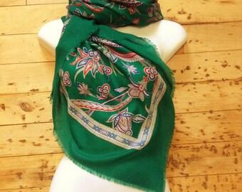Timeless 1960s Vintage Women Oversized Russian Shawl Scarf Stole - Beautiful Green Bohemian Paisley Print - New - 47 x 47