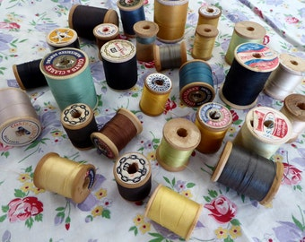 Vintage Thread Wood Spools LOT ONE, 28 Vintage Wood Spools, Old Wood Spools with Thread