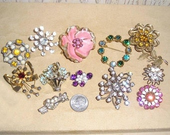 Vintage Lot Of 12 Little Rhinestone Pins 1940's  - 60's Brooch Priced To Sell Jewelry K16