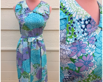 Lilac and green peony pastel sleeveless 1960s belted dress size small