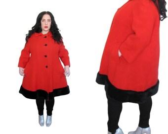 Plus Size Coat / Vintage 1950's Red Fur Trim Swing Coat / Size 1X- 2X / Vintage Coat