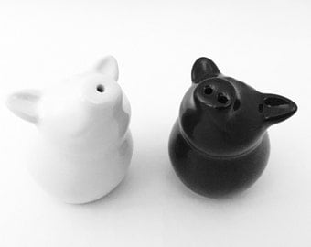 PIG Salt and Pepper Shakers - Black and White Kitchen Decor - Pig Decor - Pig Figurine