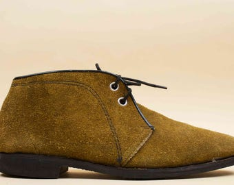 60s Vtg Olive SUEDE Leather JAPAN Made Chukka Desert Ankle Boot / Lace Up Minimalist Mod Shoes 11 11.5 EU 44 45