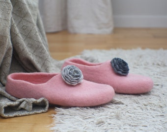 Pink felt slippers with tiny grey crocheted flowers Home shoes for women and for girls