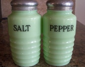 FREE USA Shipping-Vintage Jeannette Jadeite Green Depression Glass Salt & Pepper Shakers