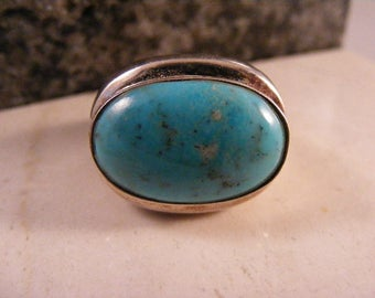 Vintage Classic Design East West Turquoise Ring in Sterling Silver..... Lot 4843