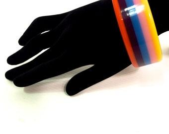 Cute Vintage Plastic Rainbow Bangle