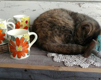 Kitsch Bright Orange Coffee Cups on Sale - Retro Tea Cups With Shocking Orange Floral Accents, Coffee Lover, Teacher Gift, Brilliant Orange