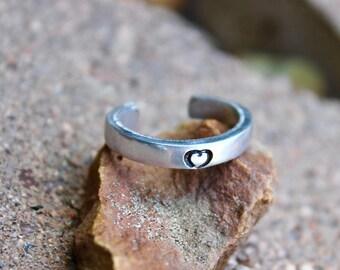 Tiny Heart Toe Ring - Boho Silver Toe Ring - Silver Toe Ring - Heart Toe Ring - Tiny Heart ToeRing - Summer Jewelry - Beach Jewelry - Sandal