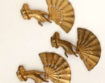 Vintage Brass Hand and Fan Stampings, Oriental Fan and Hand, Jewelry Making, Patina Brass, Antique Brass, B'sue, 56 x 43mm, Item09518