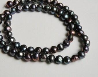 Freshwater Pearls Iris Blue round cultured pearls blue green purple 6-8mm JO35