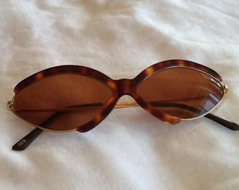 vintage sunglass tortoise and gold