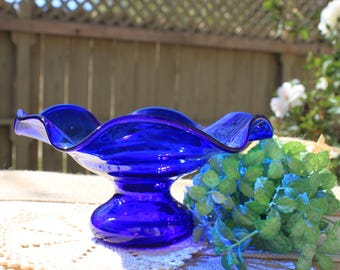 Cobalt blue vase, blue wavey vase, cobalt blue glass, blue vase,
