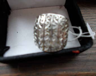 Signed Sterling Silver Ornate Ring