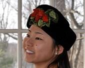 NEW YEARS SALE Strawberry Velvet Toque Hat. Vintage 1940s. Black Velvet Wedge Hat. Novelty Beaded Berries