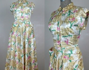 Vintage 1940s Novelty Print Dress 40s Yellow and Cream Satin Rayon Dress with Birds and Park Scene by Doris Dodson Size 8/M