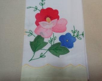 Set of 4-Appliqued Napkins -Finger Towels-Flowers Vintage Linens