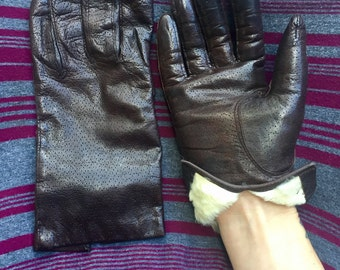 Vintage // Italian Leather and Rabbit Fur Lined Gloves // Brown Size 7 // perforated small