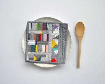 Grey Pot Holders, Quilted Pot Holders, Modern Kitchen Decor, Gray Pot Holders, Hot Pads, Trivet