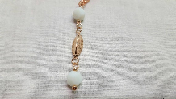 Rose gold necklace - white