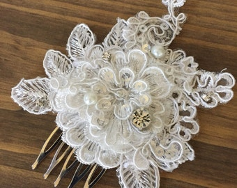 Ivory wedding hairpiece/ Lace comb/Wedding accessories/Wedding hairpiece/Bridal lace comb/Lace Hair comb