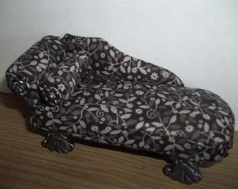 Dollhouse 1:12th Sofa or Chaise